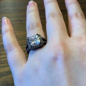 💍 NWOT 925 black sterling silver ring size 5 💍